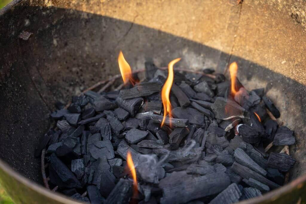 grillkohle-unfertig