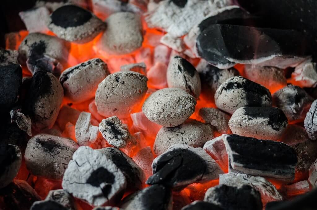 Bester Holzkohlegrill Unterschied : Grillkohle verschiedene arten von grillkohle